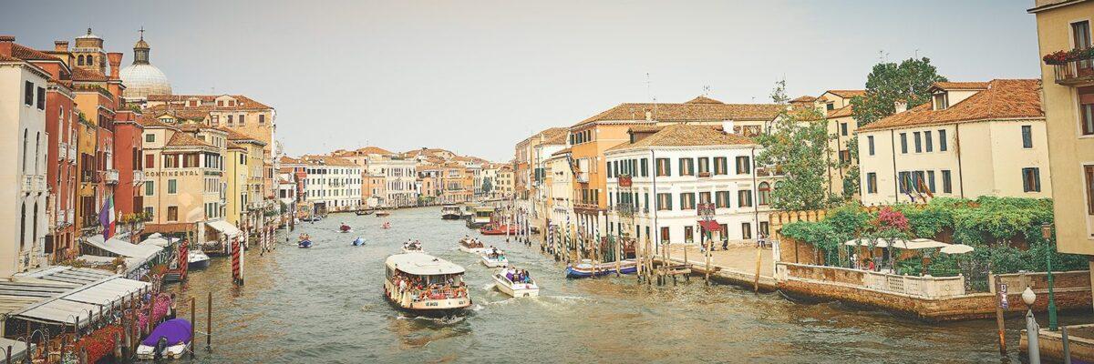 Turistbalje på Canal Grande, fotokunst veggbilde / plakat av Peder Aaserud Eikeland