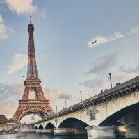 Mot Eiffeltårnet av Peder Eikeland