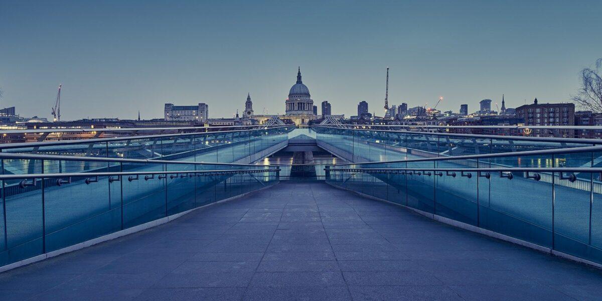 London Millennium Bridge av Peder Aaserud Eikeland