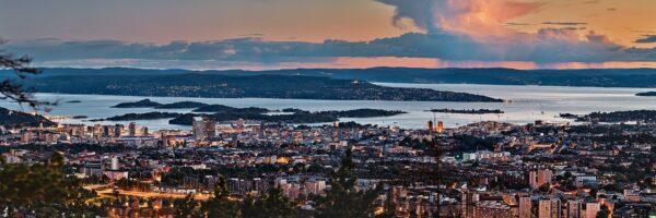 Panoramabilde av Oslo i kveldstimen, fotokunst veggbilde / plakat av Veggbilder