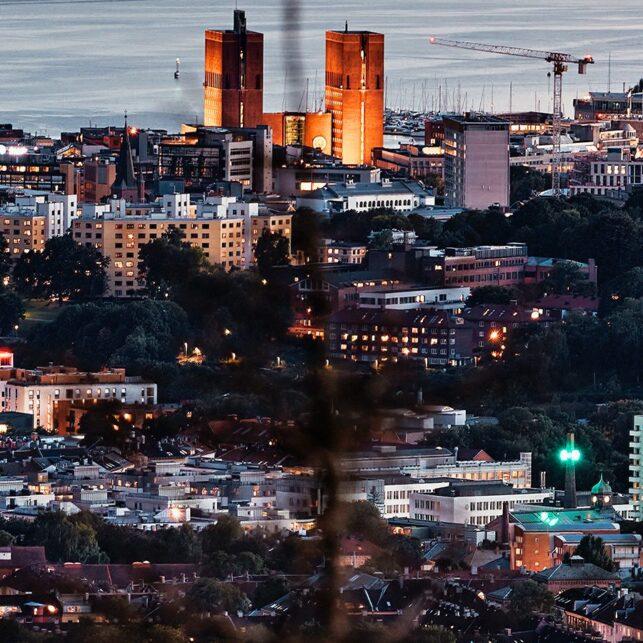 Panoramabilde av Oslo i kveldstimen, fotokunst veggbilde / plakat av Peder Aaserud Eikeland