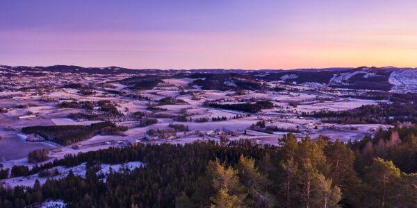 Jordbrukslandskap på Gran, fotokunst veggbilde / plakat av Peder Aaserud Eikeland