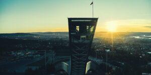 Holmenkollbakken solstreif, fotokunst veggbilde / plakat av Peder Aaserud Eikeland