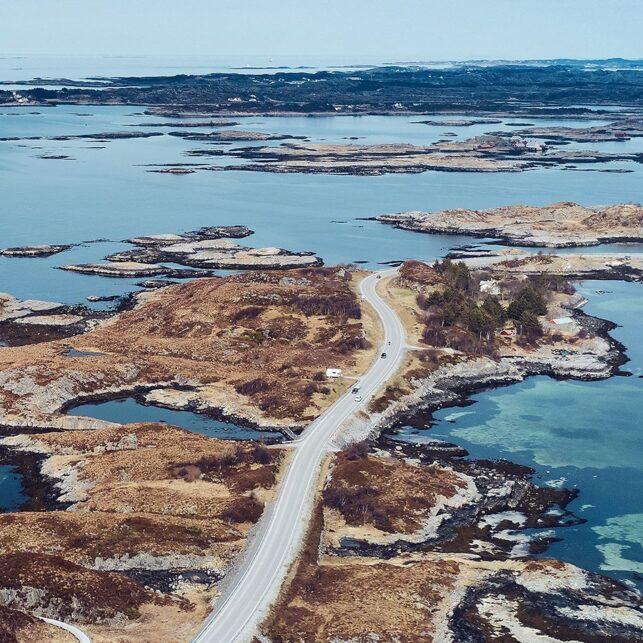 Atlanterhavsveien strekker seg, fotokunst veggbilde / plakat av Peder Aaserud Eikeland