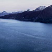 Otrøya og Romsdalsalpene, fotokunst veggbilde / plakat av Peder Aaserud Eikeland