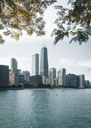 Chicago skyline sett fra byparken Milton Lee Olive Park, fotokunst veggbilde / plakat av Tor Arne Hotvedt