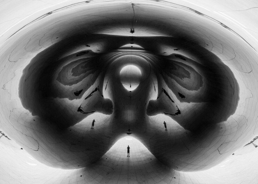 Under The Bean av Tor Arne Hotvedt