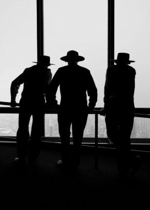 Tre herrer med hatt, fotokunst veggbilde / plakat av Tor Arne Hotvedt