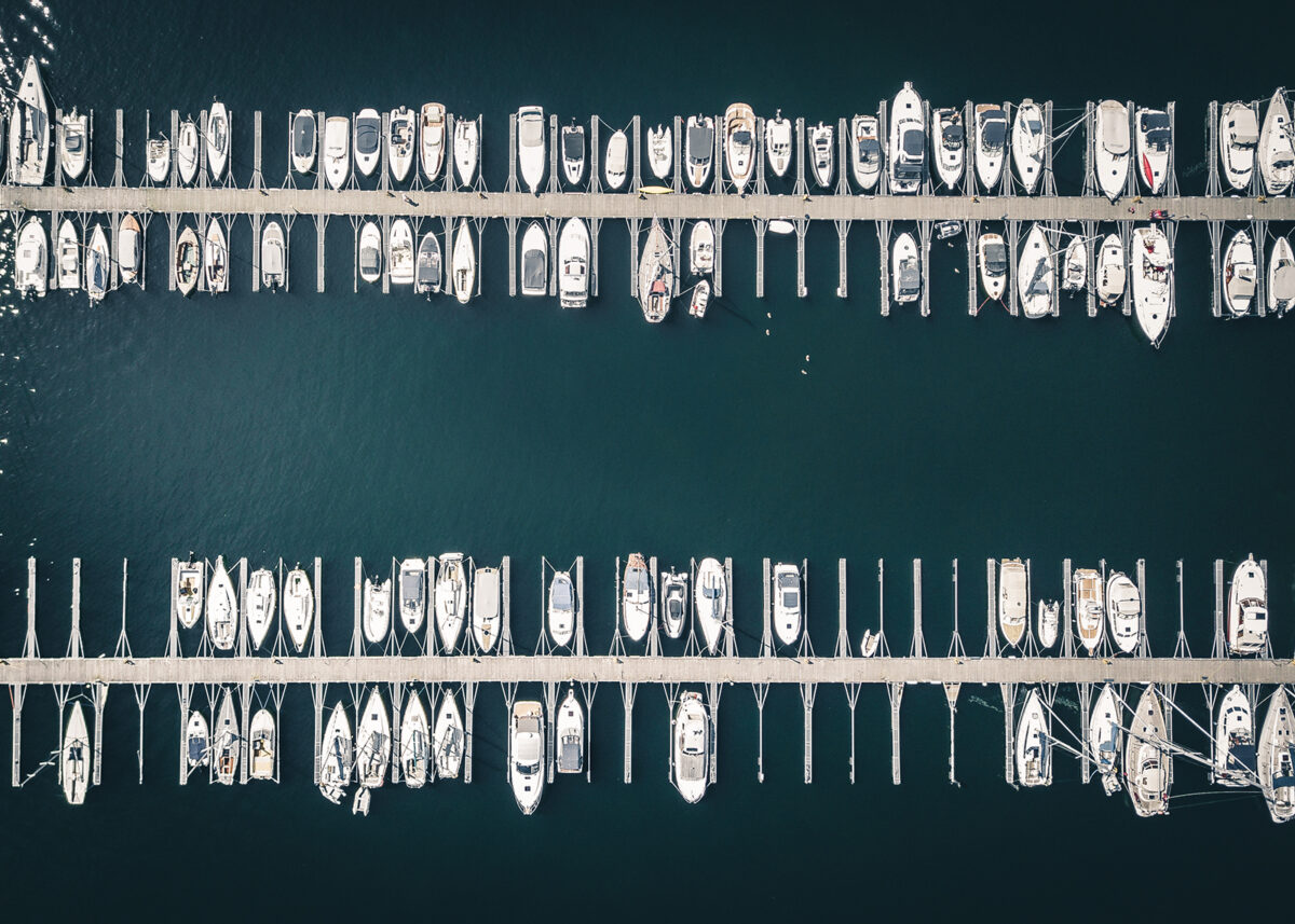 Båter som ligger i havna på Sjølyst, fotokunst veggbilde / plakat av Tor Arne Hotvedt