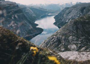 Hårnålsvingene i Stalheimskleiva, fotokunst veggbilde / plakat av Eirik Sørstrømmen