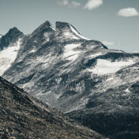 De karakteristiske toppene i fjellrekken Hurrungane, fotokunst veggbilde / plakat av Tor Arne Hotvedt