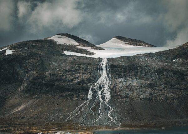 Smeltende isbre II, fotokunst veggbilde / plakat av Tor Arne Hotvedt