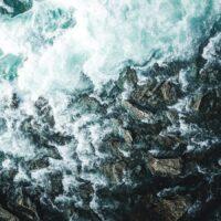 Dronebilde ovenfra av elva Sjoa, fotokunst veggbilde / plakat av Tor Arne Hotvedt