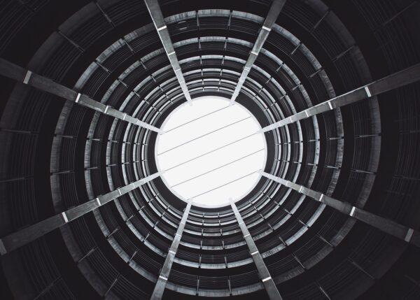 Parkeringsgarasje i spiral, fotokunst veggbilde / plakat av Tor Arne Hotvedt