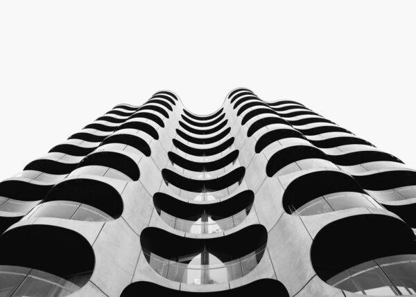 En bygning formet som bølger, fotokunst veggbilde / plakat av Tor Arne Hotvedt