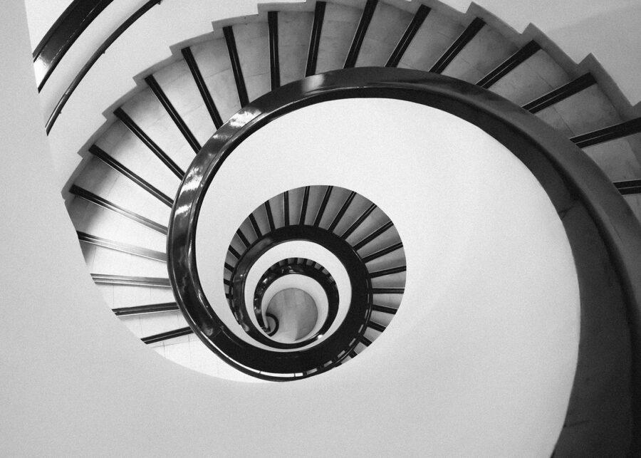 Spiraltrapp i Helsinki av Tor Arne Hotvedt