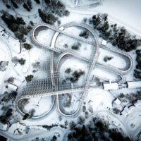 Berg-og-dalbane sett ovenfra med drone, fotokunst veggbilde / plakat av Tor Arne Hotvedt