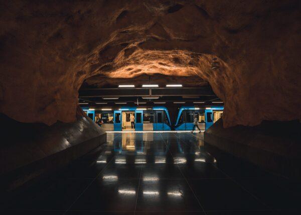 T-banestoppet Rådhuset i Stockholm, fotokunst veggbilde / plakat av Tor Arne Hotvedt