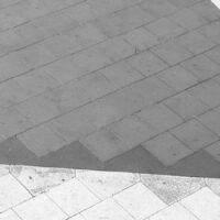 En person som går på sorte og hvite trekanter, fotokunst veggbilde / plakat av Tor Arne Hotvedt