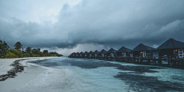 Uvær på Maldivene, fotokunst veggbilde / plakat av Tor Arne Hotvedt
