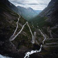 Trollstigen og Stigfossen i Møre og Romsdal, fotokunst veggbilde / plakat av Tor Arne Hotvedt