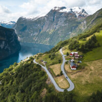 Ørnesvingen i Geiranger ovenfra, fotokunst veggbilde / plakat av Tor Arne Hotvedt