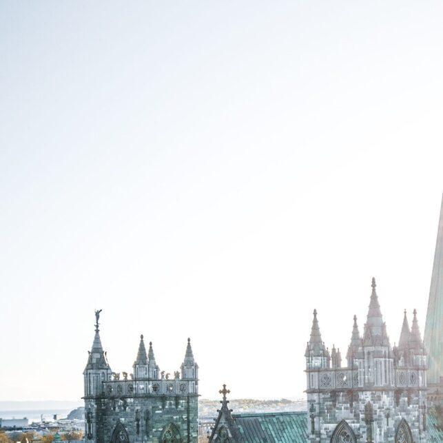 Nidarosdomen i Trondheim i solskinn, fotokunst veggbilde / plakat av Tor Arne Hotvedt