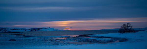 Morgensol ved Varangerfjorden, fotokunst veggbilde / plakat av Terje Kolaas
