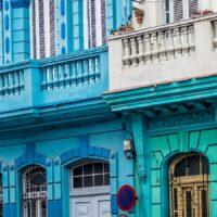 Blåkledt cubana i Havana av Terje Kolaas