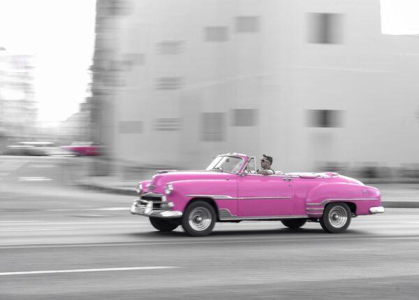 Rosa chevrolet på Cuba, fotokunst veggbilde / plakat av Terje Kolaas