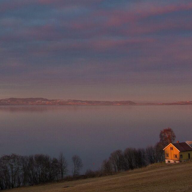 Trondheimsfjord i pastell, fotokunst veggbilde / plakat av Terje Kolaas