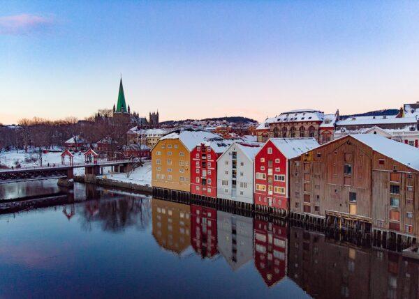 Morgenstund i Trondheim, fotokunst veggbilde / plakat av Terje Kolaas