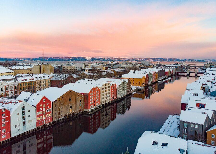 Trondheimsidyll II av Terje Kolaas