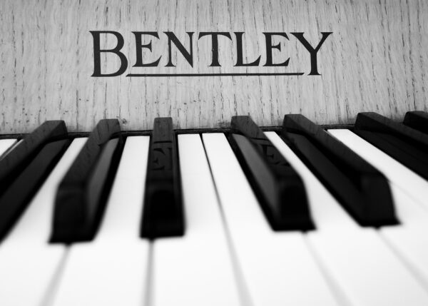 Nærbilde av tangentene på et piano, fotokunst veggbilde / plakat av Terje Kolaas