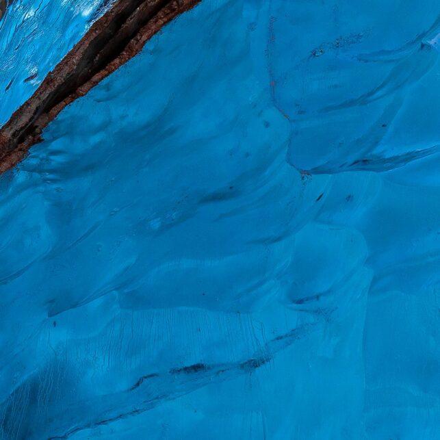 Detalj fra det edle isfjellet I, fotokunst veggbilde / plakat av Terje Kolaas
