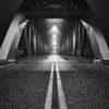"""""""Bridge over troubled water"""" sort-hvitt, fotokunst veggbilde / plakat av Tom Erik Smedal"""