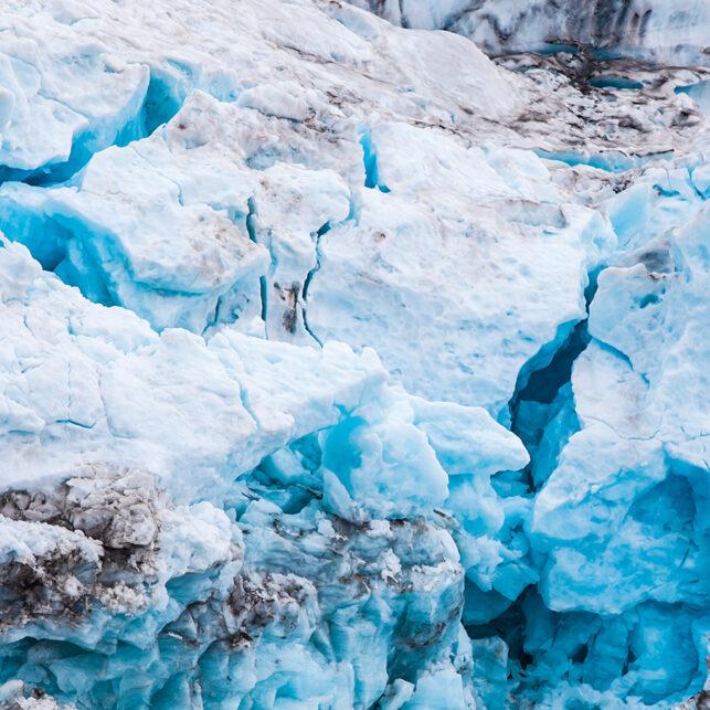 Isbre med forskjellig struktur og mønster, fotokunst veggbilde / plakat av Thor Håkon Ulstad