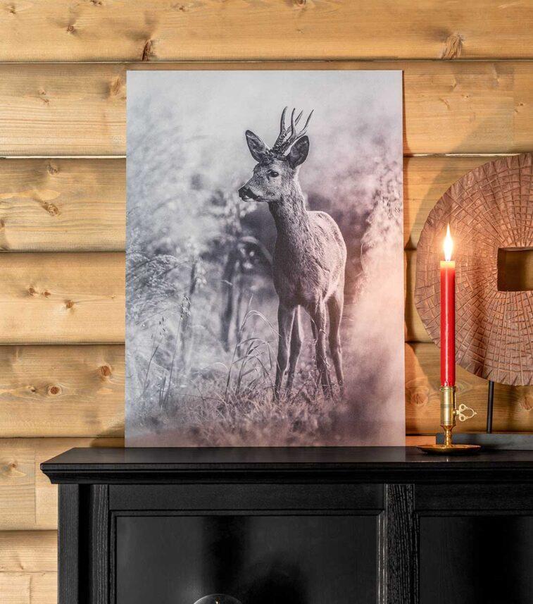 Rådyr i kornåkeren sort-hvitt, fotokunst veggbilde / plakat av Kåre Johansen